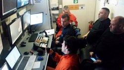 Recuperen el cos d'un dels dos mariners del pesquer enfonsat a Barcelona (SALVAMENTO MARÍTIMO)