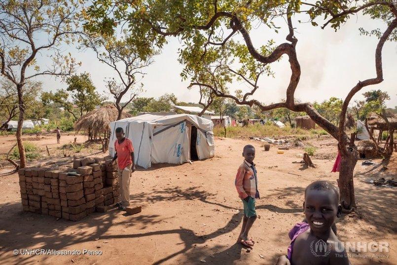 ACNUR y el Gobierno de Uganda piden ayuda internacional urgente para los refugiados sursudaneses