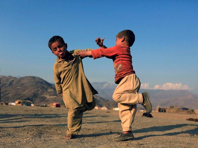 Más de 1.000 niños afganos al día se verán obligados a abandonar la escuela en 2017, según Save the Children