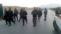 Moren nou policies després de ser tirotejats per un company al nord de l'Afganistan (REUTERS)