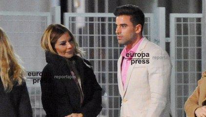Ivonne Reyes celebra con Sergio Ayala su victoria judicial frente a Pepe Navarro