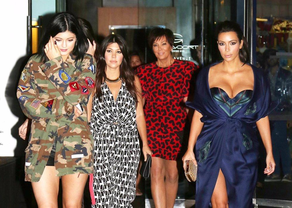 El clan Kardashian ante un nuevo proyecto./ Cordon Press