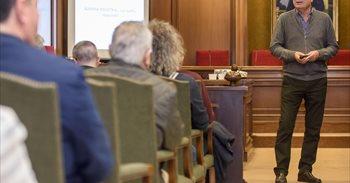El catedrático Andrés Sánchez Picón habla de la importancia del tren en...