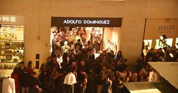 Adolfo Domínguez reforza a súa presenza en América, onde alcanza as 165...