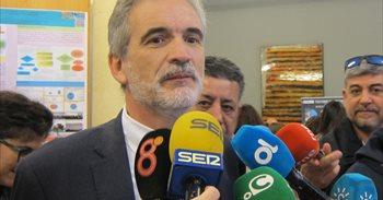 La Junta crea un grupo para analizar el modelo hospitalario en Málaga y...