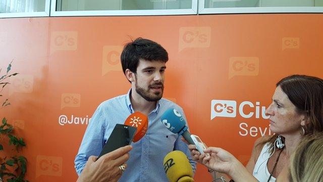 Javier Moyano.