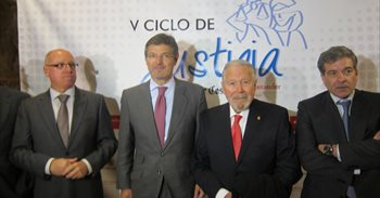 Catalá garantiza la vigencia de los jueces de paz como exponente de la...