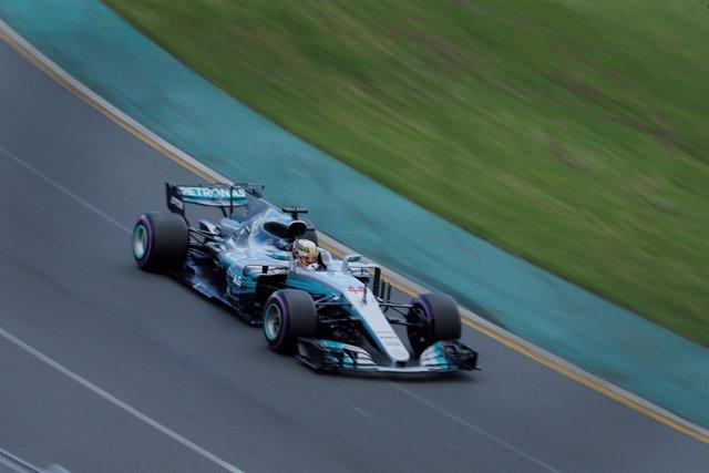 Lewis Hamilton pole Australia Melbourne