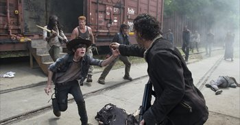 Andrew Lincoln (The Walking Dead) revela la impactante muerte que le...