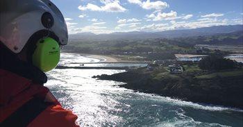 Sigue la búsqueda del hombre que cayó al mar en San Vicente