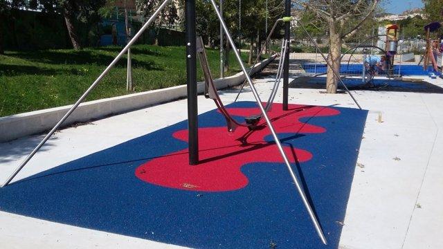 Parque infantil obra nuevo sustitución mejoras juegos niños