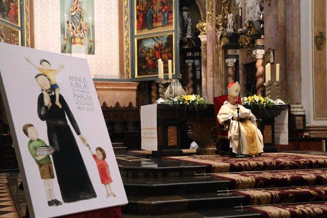 El cardenal ha ofrecido la eucarística por el IV centenario de las Pías