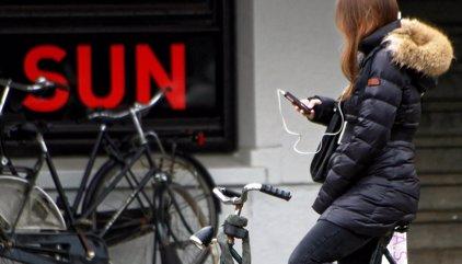 La Organización Mundial de la Salud (OMS) recomienda no escuchar más de una hora de música al día