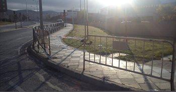 Inmovilizan un vehículo en Cuenca cuyo conductor ha causado varios daños...