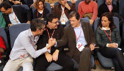 """Mario Jiménez defiende el debate intelectual mientras otros quieren """"repartir carnets"""" en el PSOE"""