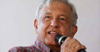 La convención bancaria mexicana critica abiertamente al candidato López...