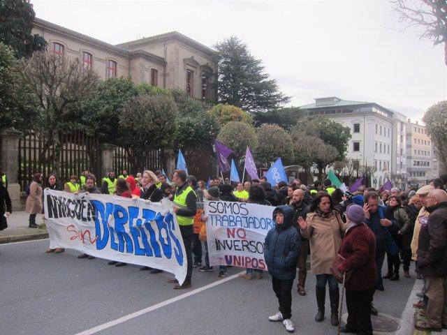 Manifestación convocada en Santiago por Imos! e varios colectivos sociais