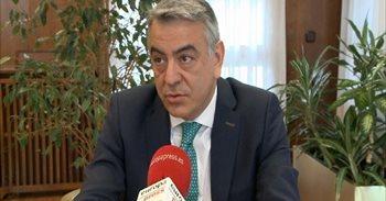 De Andrés cree que Gobierno vasco debe tomar alguna decisión para...