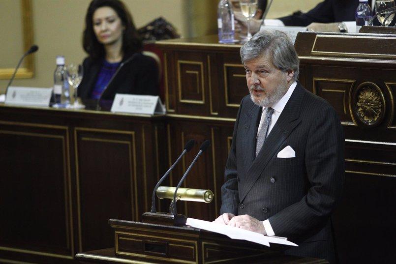 Méndez de Vigo debate con las CCAA sobre el pacto educativo en el Senado