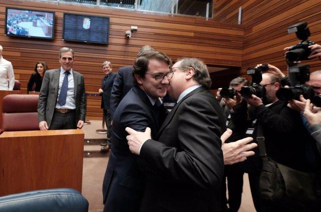 Herrera besa a Fernández Mañueco