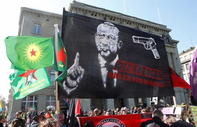 Manifestación contra Erdogan en Berna