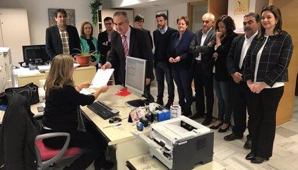 La Mesa de la Asamblea admite a trámite la moción de censura contra el presidente murciano