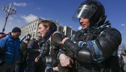 Las autoridades rusas elevan a más de 1.000 los detenidos por la manifestación opositora en Moscú
