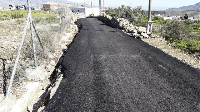 Las obras en Alhama de Almería han permitido la mejora de tres caminos rurales.