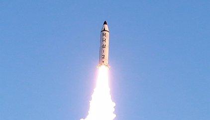 Corea del Norte realiza otro ensayo de lanzamiento de misil balístico