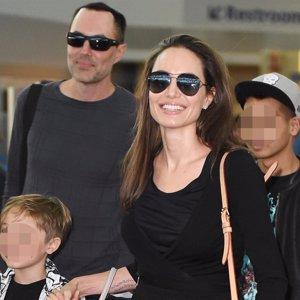 Angelina Jolie 'despide' a su hermano en el cuidado de sus hijos