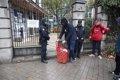 LA POLICIA VUELVE A DESALOJAR A LOS OKUPAS DE HOGAR SOCIAL MADRID DE UN PALACETE DE VELAQUEZ