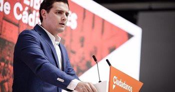 """Rivera acusa a la diputada andaluza que ha dejado Ciudadanos de """"robar""""..."""