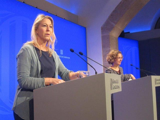 Conselleras de la Generalitat Neus Munté y Meritxell Ruiz