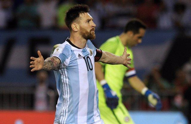 Football Soccer - Argentina v Chile - Leo Messi
