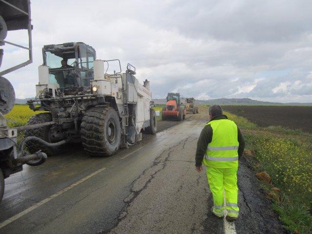 Arreglo de la carretera entre Carmona y Arahal