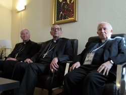 El cardenal Cañizares i l'arquebisbe Omella demanen desmuntar la