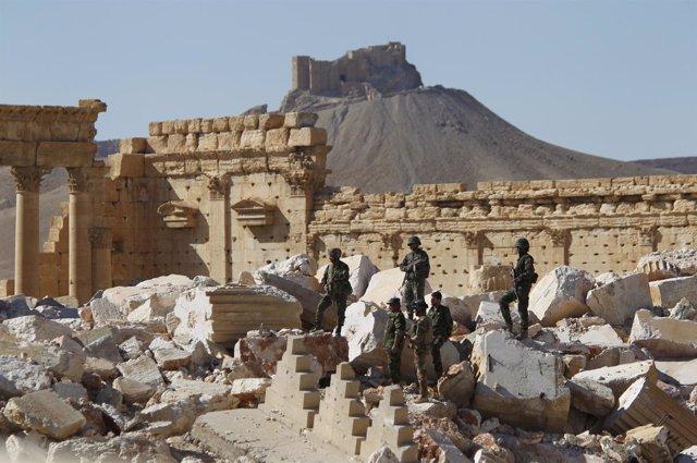 Militares del Ejército sirio en Palmira