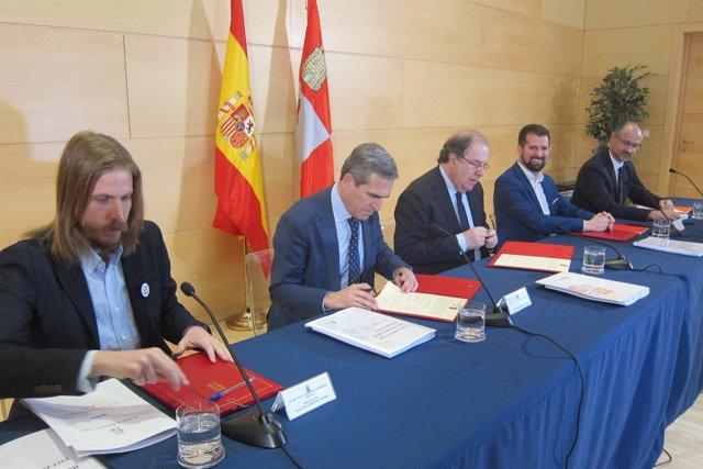 Valladolid. Firma del Pacto por la Reindustrialización