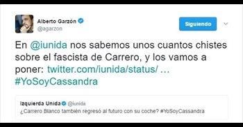 IU inunda Twitter con chistes sobre Carrero Blanco n'apoyu a Cassandra