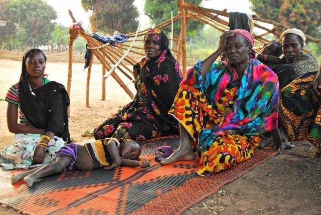 Mujeres de Aza, pueblo de RCA saqueado por el LRA