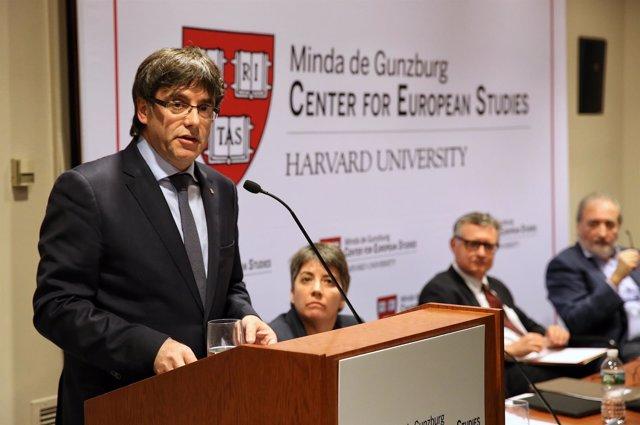 Carles Puigdemont en su viaje a EEUU, en la Universidad de Harvard