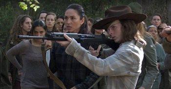 Fans de The Walking Dead claman contra el épico gazapo de Carl durante el...