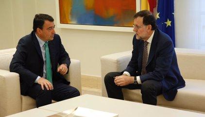 Gobierno y PNV sellan un acuerdo sobre la Ertzaintza que despeja la negociación de Presupuestos