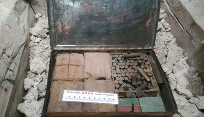 Localizan un arsenal de explosivos de la Guerra Civil en un monasterio de Vic