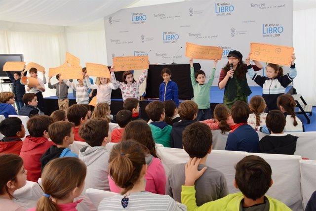 Los niños de Tomares en el Concurso de Poesía Gloria Fuertes