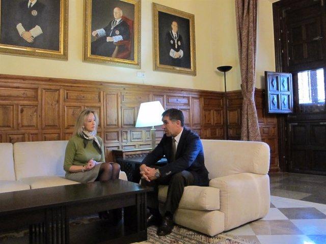 La fiscal superior, Ana Tárrago, en el TSJA con Lorenzo del Río
