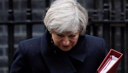 May inicia primera ronda de contactos con sus socios de la UE tras activar el Brexit