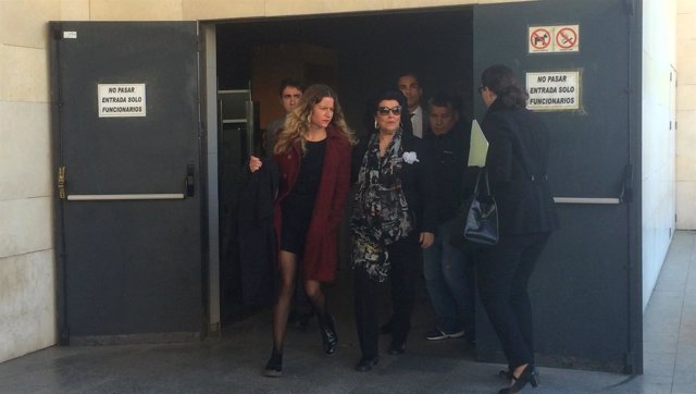 Ciscar a la salida de los juzgados