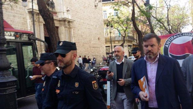 El presidente de HazteOir.Org durante su visita a València