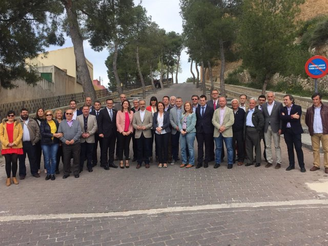 Una delegación socialista muestra su apoyo al Año Jubilar de Caravaca